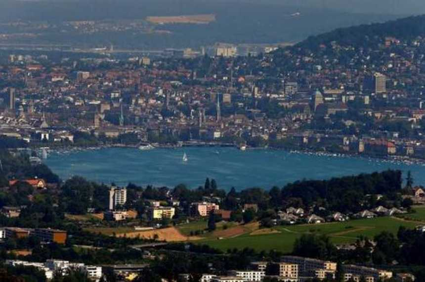 General view of the city of Zurich and Lake Zurich