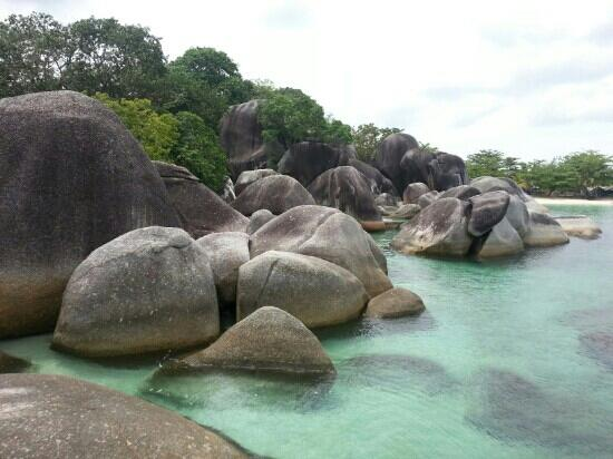 tanjung-tinggi-beach